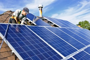 installing-solar-panels-on-roof